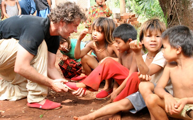 TOMS創辦人布雷克‧麥考斯,穿一雙改變世界的鞋